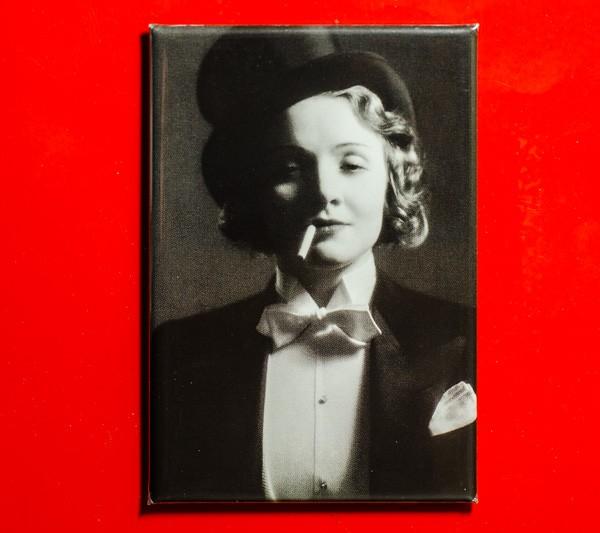 Marlene Dietrich in Morocco, 1930 - Magnet