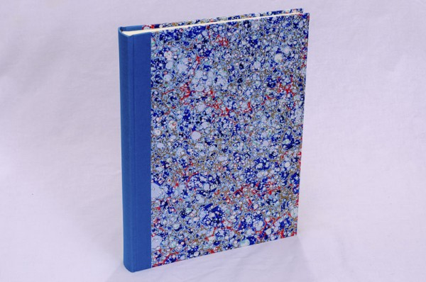 "Fotoalbum gebunden mit Florentiner Papier "" Lapis Lux "" 31 x 24,5 cm"