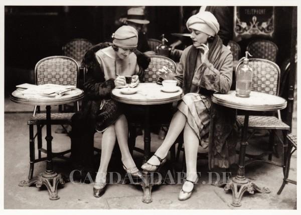 Im Café - Postkarte