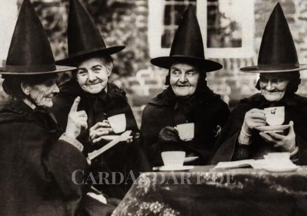 Hexen beim Tee - Postkarte