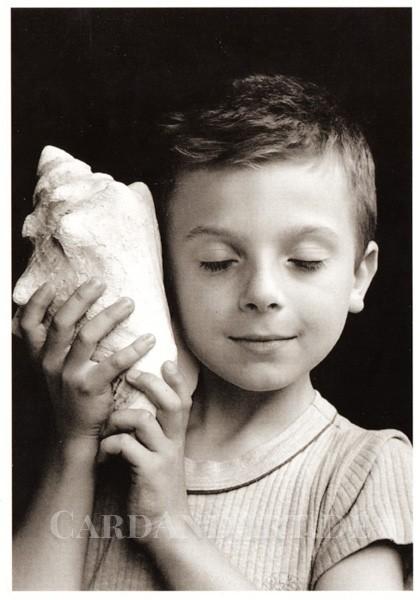 Boubat Èdouard: Junge mit Muschel - Postkarte