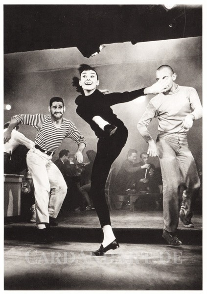 Audrey Hepburn Dancing - Postkarte