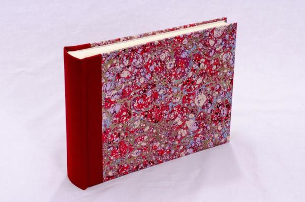 """Fotoalbum gebunden mit Florentiner Papier """" Lapis Rosso """" 21,5 x 16 cm"""